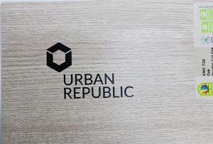 Εκτύπωση λογότυπου σε ξύλινα υλικά από το WER-D4880UV 2